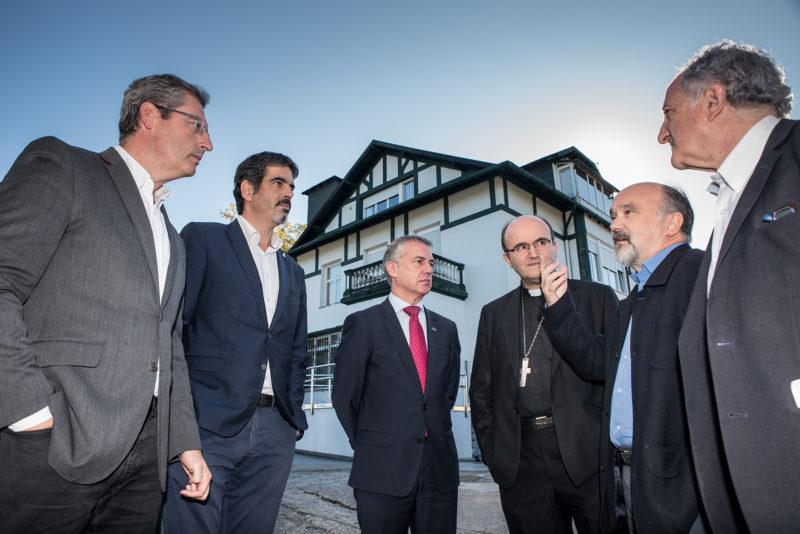 Las autoridades se dan cita en Villa Betania. Foto: Gobierno vasco.