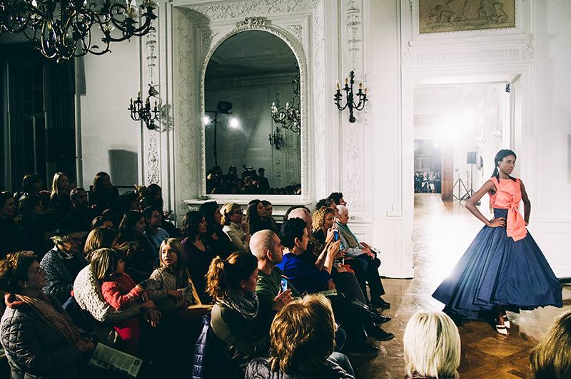 Foto del desfile de moda sostenible en el Palacio de Miramar. // Foto: Santiago Farizano