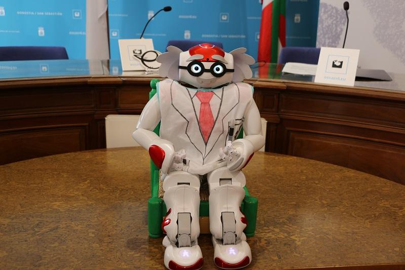 El robot humanoide que ha protagonizado la presentación de la XVI Zientzia Astea de la UPV.