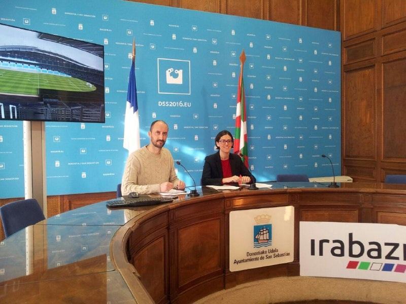 Los concejales de Irabazi Loïc Alejandro y Amaia Martin.