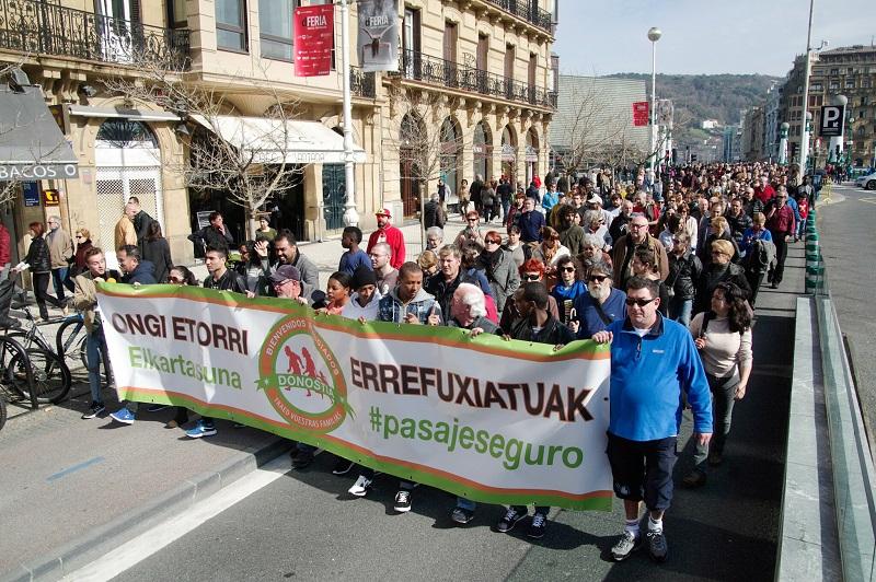 Imagen de la plataforma Ongi Etorri Errefuxituak en una marcha pasada. Foto: Santiago Farizano