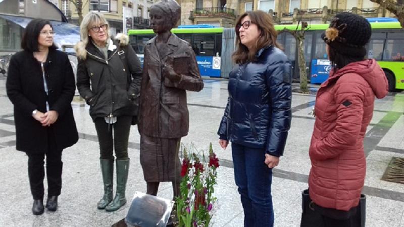 Inauguración de la escultura en su nuevo emplamiento el pasado 8 de marzo. Foto: Ayto