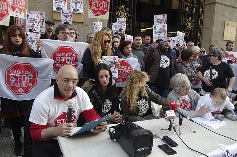Protesta de Stop Desahucios el pasado mes de marzo. Foto: Santiago Farizano