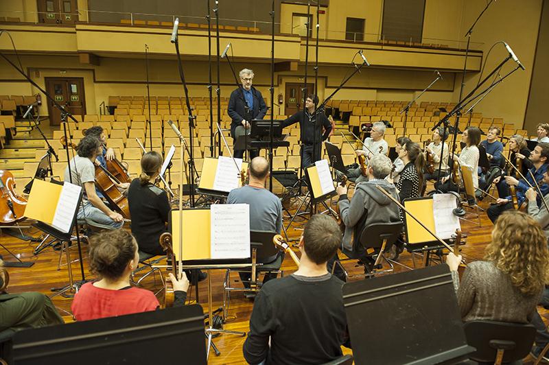 El director Wim Wenders en la sede de la orquesta. Foto: OSE