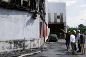 34614301703 8aebbcd46d k 300x200 - El interior de la fábrica Olatu alcanzó los mil grados durante el incendio