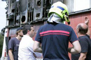 35294180891 9dc85cb549 k 300x200 - El interior de la fábrica Olatu alcanzó los mil grados durante el incendio
