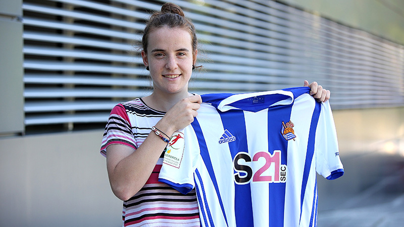 Renovacion de Ane Etxezarreta jugadora del equipo femenino de la Real Sociedad: Foto: Real Sociedad