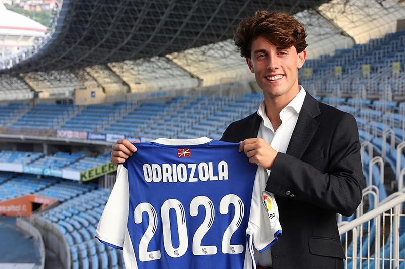 Alvaro Odriozola firma hasta el 2022 con la Real Sociedad. Foto: Real Sociedad