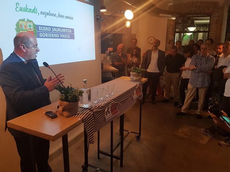 El consejero Bittor Oroz en la presentación. Foto: Gobierno vasco