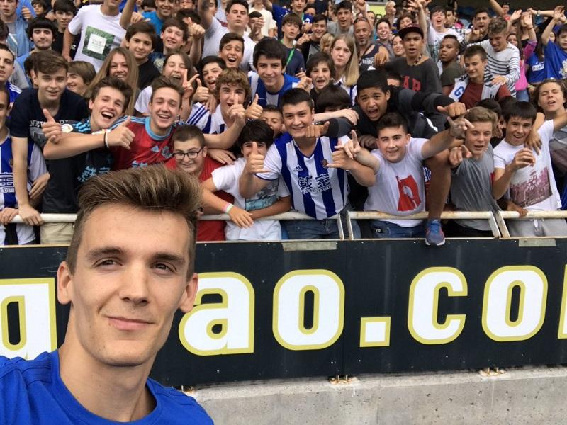 'Selfie' de Diego Llorente  en sus primeros compases en la Real.