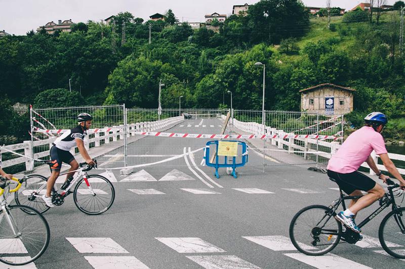 El puente de Astiñene, donde apareció una grieta en agosto de 2017. Foto: Santiago Farizano