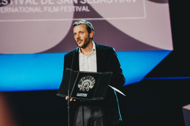 Resultado de imagen de Bogdan Dumitrache  premio