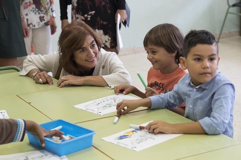 La consejera Cristina Uriarte inaugura el curso en un centro de Gasteiz. Foto: Gobierno vasco