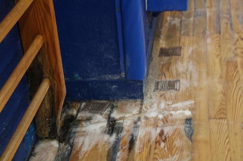 Foto del suelo tras la entrada de la lluvia: Jakintza