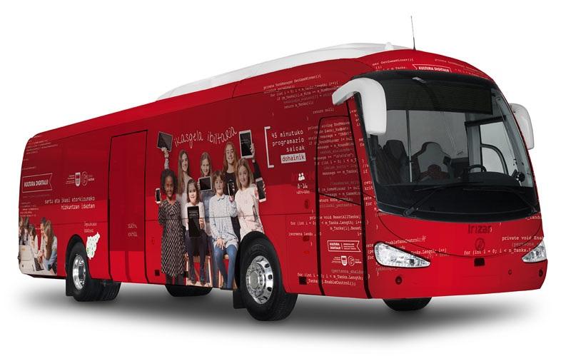 Autobús de Cultura digital. Foto: Diputación