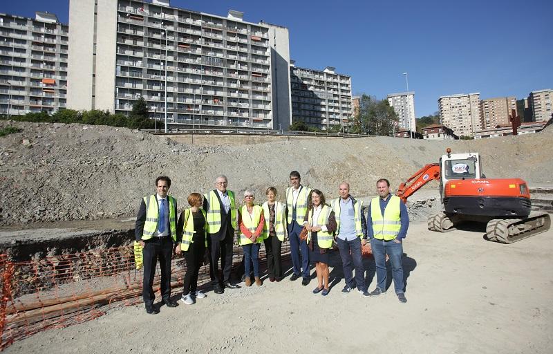 Visita de las autoridades hoy a las obras. Foto: Gobierno vasco