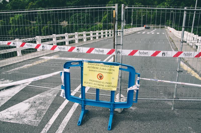 Imagen del puente, cerrado en agosto por una grieta, y que está siendo reparado. Foto: Santiago Farizano