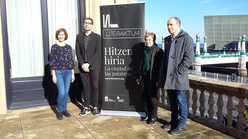 Miren Azkarate,  Patxi Presa, Iñaki Gabarain y Elena Oregi durante la presentación la pasada semana. Foto: Donostia Kultura