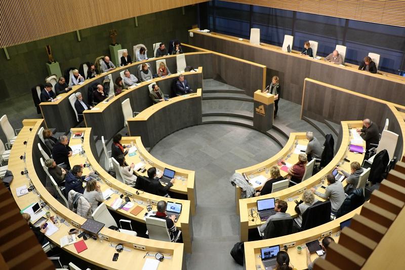 Imagen de archivo de un debate en las Juntas Generales. Foto: Diputación