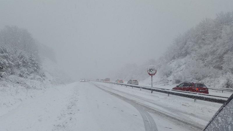 Imagen de la A-15 durante la nevada. Foto: Protección Civil Tolosa