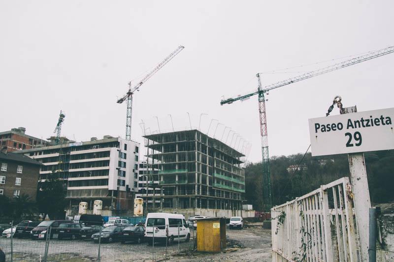 Txomin Enea durante su construcción. Foto de archivo: Santiago Farizano