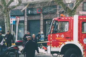 donostitik kutxa inendio 06 300x200 - Los bomberos sofocan un pequeño fuego en el interior de unos cajeros de Kutxa en Amara Berri