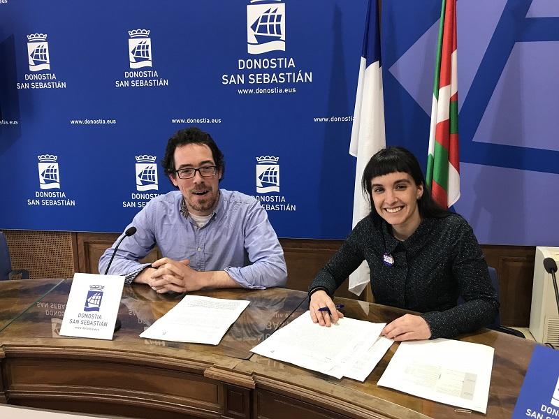 Ayem Oskoz y Naiara Sampedro. Foto: EH Bildu