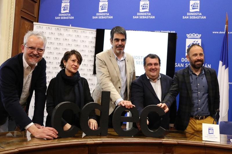 Guille Viglione y Concha Wert, del CdeC, Ernesto Gasco y Eneko Goia: Foto: Ayto.