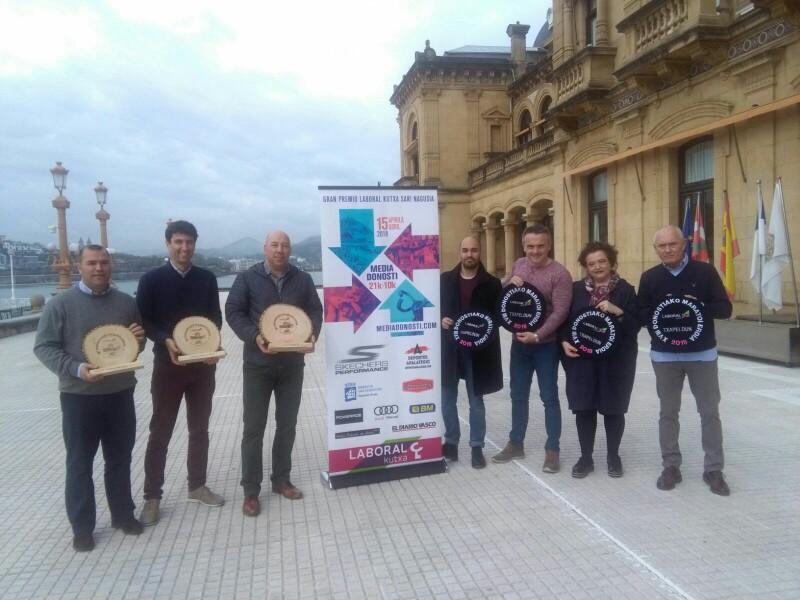 Presentación de la carrera esta mañana en el Ayuntamiento. Foto: A.E.