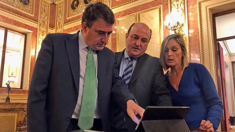 Aitor Esteban e Andoni Ortuzar. Foto: PNV