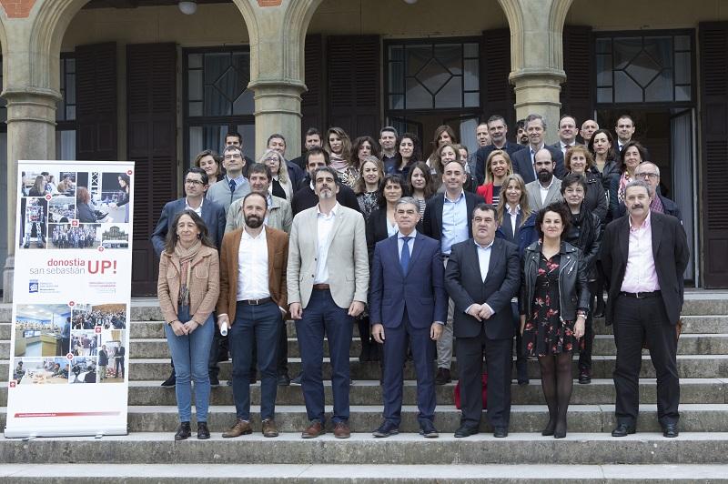 Foto de familia en la presentación de Donostia Up este viernes. Fomento SnSn