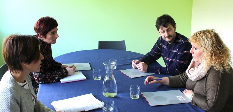 Iñaki Errazkin y Ainhoa Intxaurrandieta en el sindicato LAB en mayo. Foto: LAB