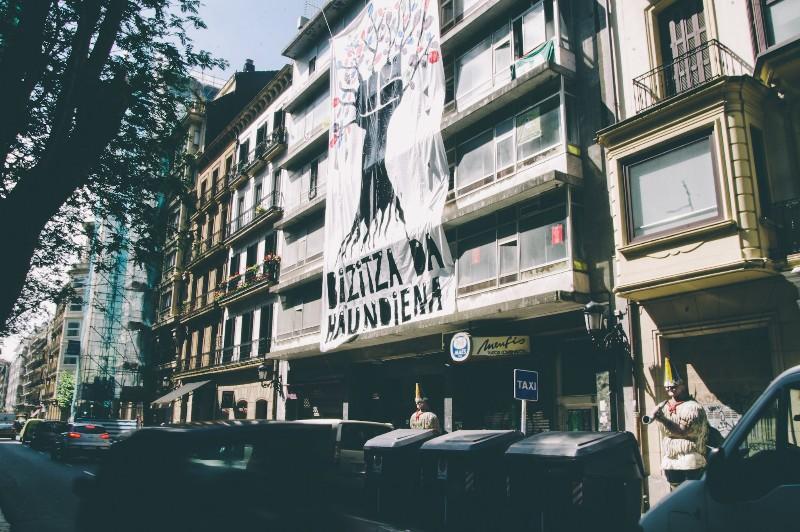 El edificiode Idiakez  ocupado por la iniciativa Bizitza da Handiena. Foto: Santiago Farizano