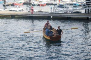 Lance2 300x200 - La botadura de la primera embarcación de Aprendiztegi se convierte en homenaje