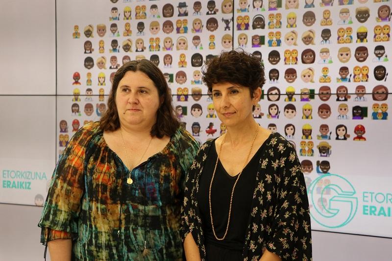 Aintzane Muguruza, de Gehitu, y Maribel Vaquero, directora del ente foral. Foto: Diputación