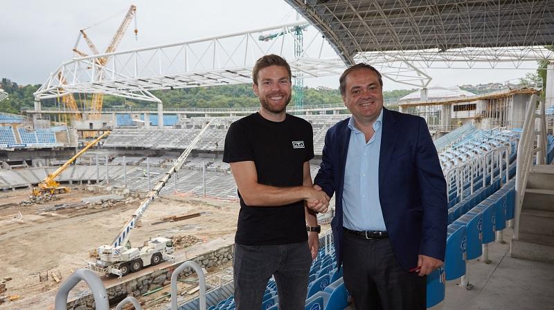 Asier Illarramendi firma su renovación con la Real Sociedad