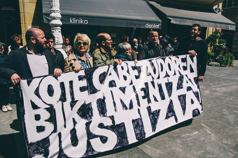 Una concentración de la plataforma de apoyo a las víctimas. Foto: Santiago Farizano