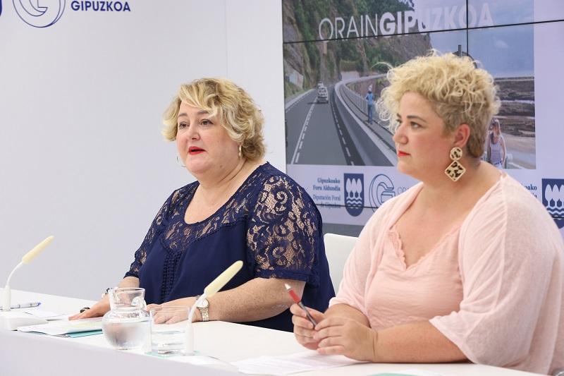 Aintzane Oiarbide y Maite Peña. Foto: Diputación