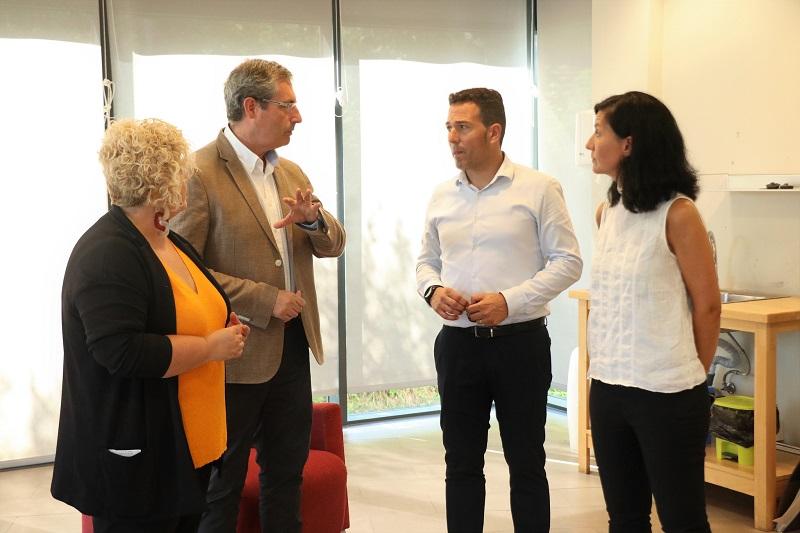 Markel Olano, Maite Peña y el vicepresidente de Gautena Juan Felix Palacios. Foto: Diputación