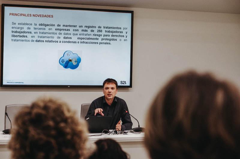 Encuentro sobre protección de datos hoy en Tabakalera. Foto: Santiago Farizano