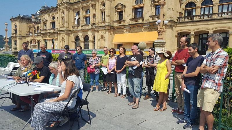 Encuentro hoy frente al Ayuntamiento.