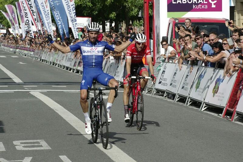 Alaphilippe gana la Clásica San Sebastián. Foto: Santiago Farizano