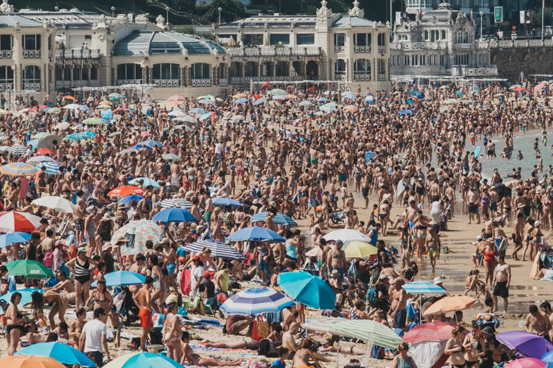 Imagen de la playa de la Concha este verano. Foto: Santiago Farizano