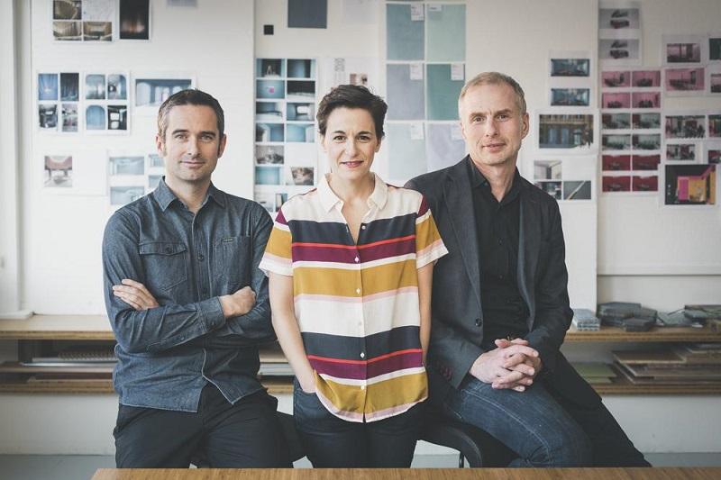 Los gipuzkoanos Lucas Echeveste y Natali Canas con su socio alemán Oliver Franz Schmidt.