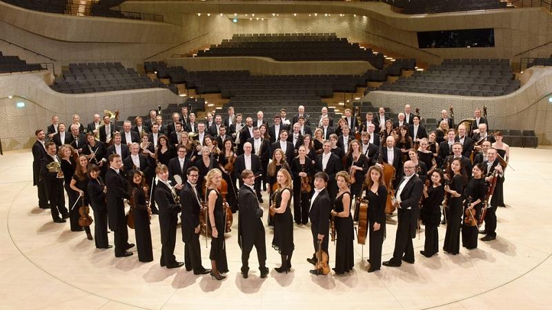 Hamburg ; NDR – Elbphilharmonie Orchester im Großen Saal der Elbphilharmonie