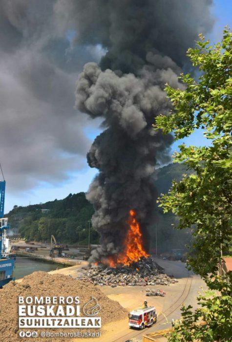 Imagen del incendio del 2 de agosto en Pasaia. Fotos: Bomberos de Euskadi