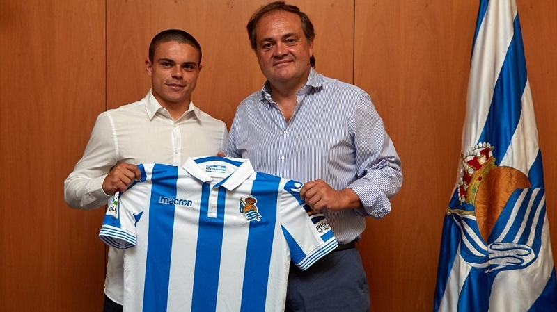 Luca Sangalli con Jokin Aperribay. Foto: Real Sociedad