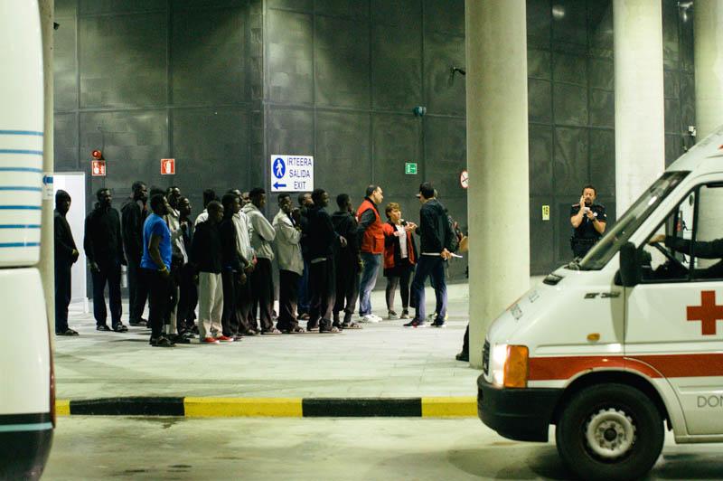 Migrantes llegados el 18 de junio a Donostia. Foto: Santiago Farizano