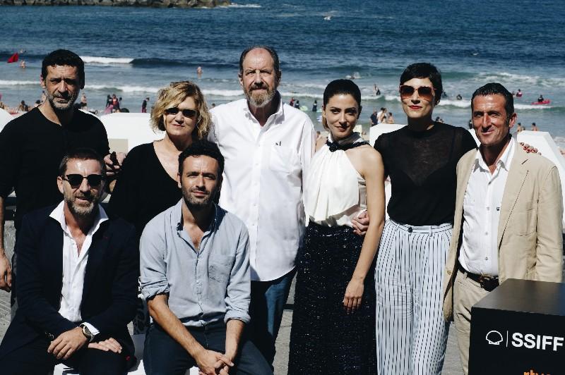 El equipo de El Reino enel Zinemaldi. Foto: Santiago Farizano
