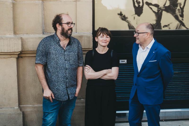 Borja Cobeaga, Nagore Aranburu y José Luis Rebordinos en el Zinemaldi de 2018. Fotos: Santiago Farizano
